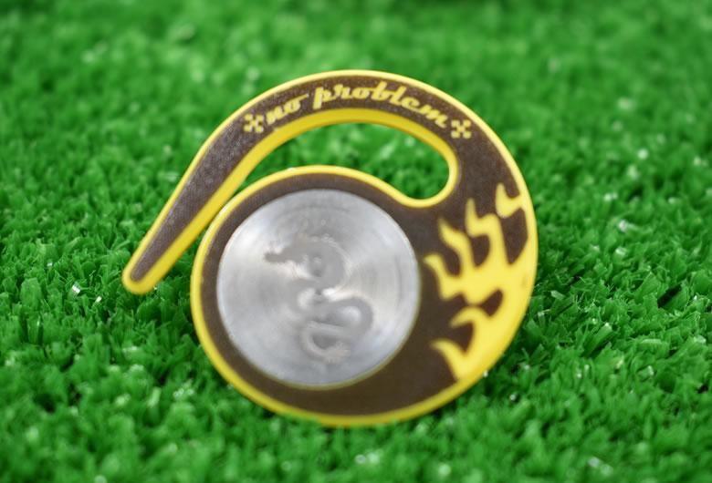 ベルトループに引っ掛けるタイプハングマーカー(ゴルフマーカー)ドラゴンシリーズ YELLOW